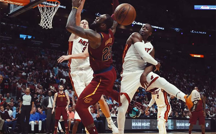 dwade swats lebron james in miami heat vs cavs