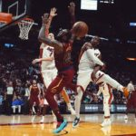 dwayne wade blocks lebron james